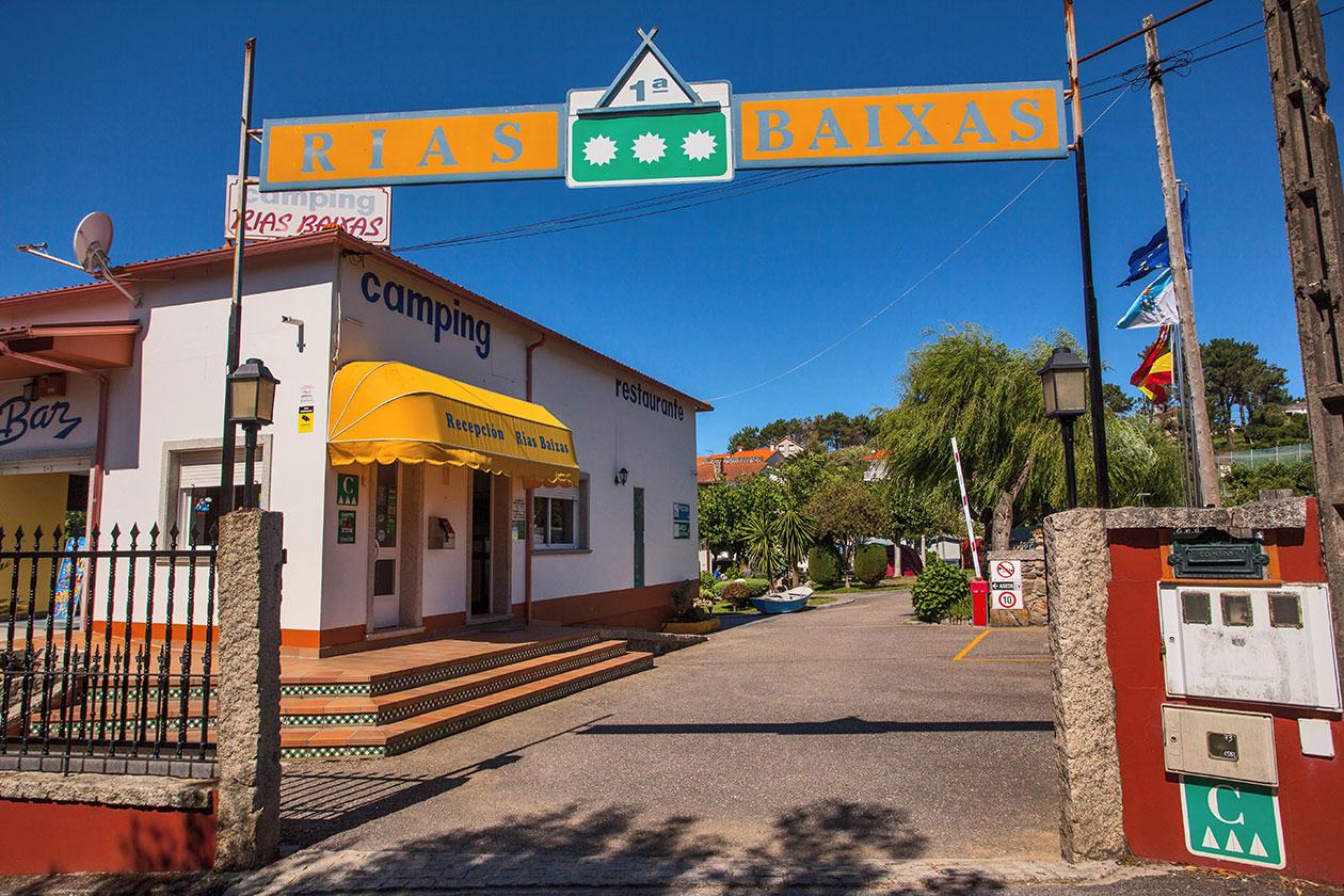 878eec1d15198 CAMPING RIAS BAIXAS. Playa de Montalvo